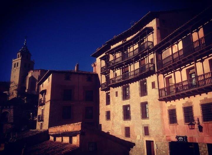 5 de las mejores rutas por Aragón en coche Albarracín